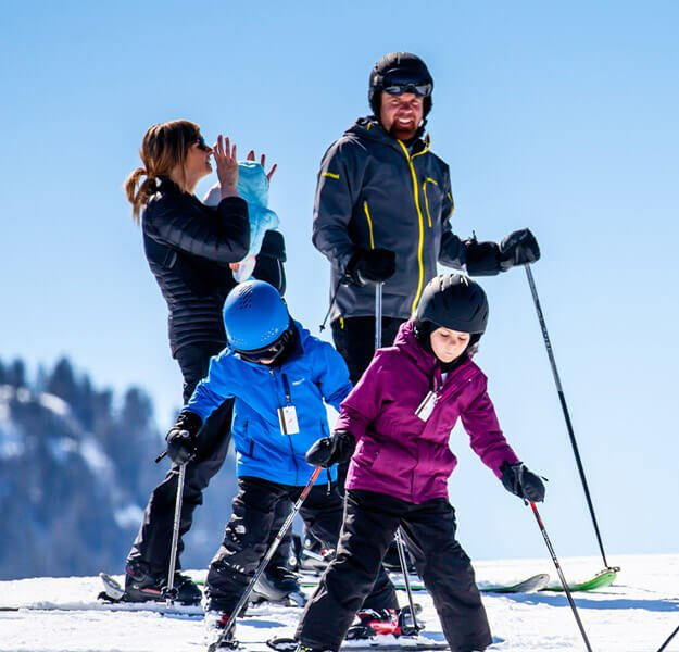 Family skiing